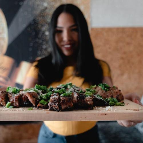 Gemeinsam Beef-Steak essen
