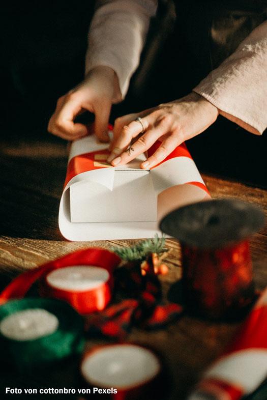 Schleifen und Bänder machen jede Folie oder Verpackung zu etwas Besonderen